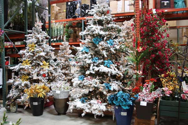 Santa Ana Warehouse Christmas Tree