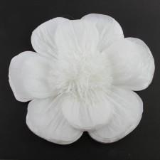 """20""""TISSUE SCALLOP FLOWER WHT"""