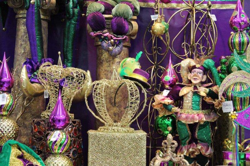 img_0498adj - Mardi Gras Decorations