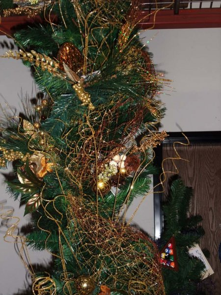 Tip Of The Day Use Our Glittered Netting As Christmas Tree Garland
